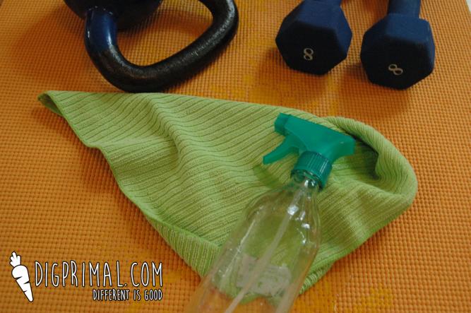 yoga-mat-disinfecting-spray